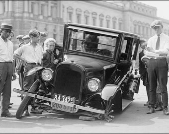 16x24 Poster; Auto Wreck, Usa, 1923. Maryland A Chevrolet 490