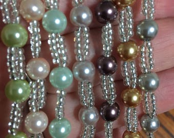 Sparkly glass seed bead and glass pearl bracelet