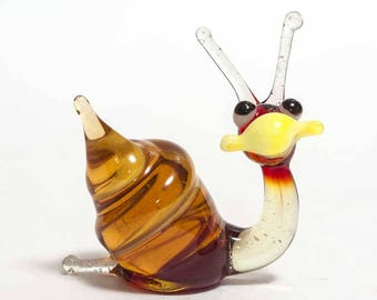 Glass Hand-Blown Glass Snail Collectible  Figurine (code 023)