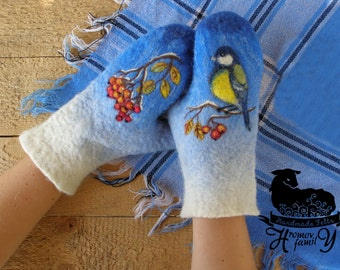 Felted wool mittens Bird of the Tit and Rowan. Mittens made of felt with a picture