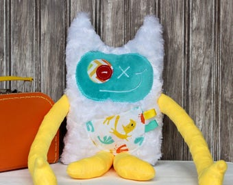 Monstre à Câlins(Hug Monster) plush,  yellow and aqua with little cats print,friendly monster for child,unique  birthday or baby shower gift