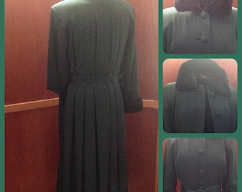 Vintage woman Pure Virgin/Virgin Wool/Hilary Radley wool coat