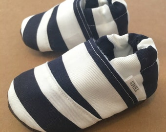 baby shoes, baby moccasins, toddler moccasins, navy baby shoes, navy toddler moccs, navy baby moccs