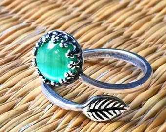 Silver Plated Light Green CAT'S EYE RING 8mm Crown Adjustable Band Jewelry