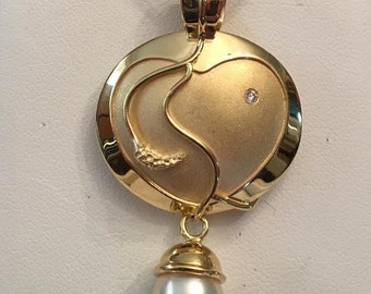 18k yg designer signed pendant with a Matte Finish Heart, Round Diamond & Dangling Akoya Cultured Pearl By K Dominey 22/50 Limited Edition