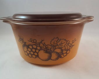 Pyrex Old Orchard Casserole with Lid