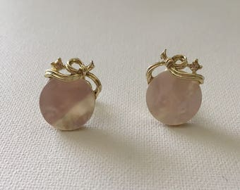 Vintage Lisner Earrings, Mother Of Pearl, Screw Back Earrings, White Earrings, White And Gold, Bridal Earrings