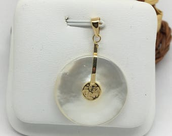 14K Yellow Gold Mother of Pearl Donut Shape Pendant