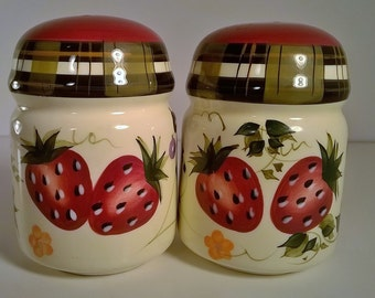 vintage large ceramic strawberry design salt and pepper shaker set