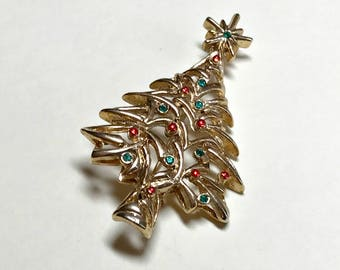 Vintage Christmas tree brooch from New View, vintage Christmas brooch, holiday brooch, Christmas pin, retro Christmas brooch, 1960s-70s