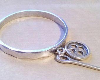 One of 50 stylePulsera ring needle and button zamak bath of silver, style one of 50