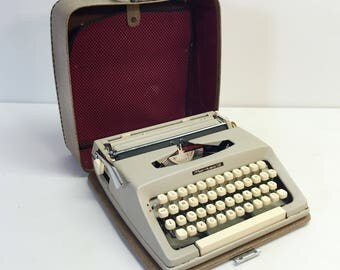 Vintage Portable Manual Typewriter Maritsa 12 Bulgarian Machine w Built in Case