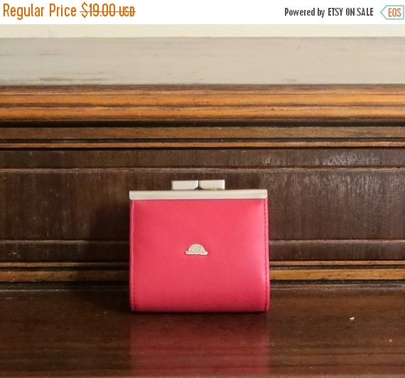 Football Days Sale Sweet Little Red Leather Kiss Lock Coin Purse With Silver Toned Hardware - Made In Italy- EUC