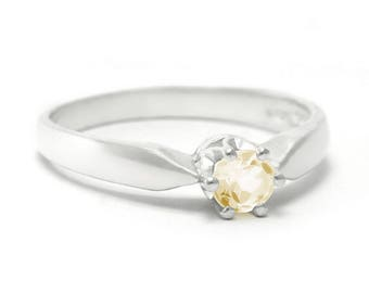 Citrine Ring, 925 Sterling Silver. SIZE 5.75 (inner diameter 19mm), color yellow, weight 2g, #44842