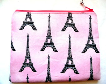 Clearance pouch with Paris towers
