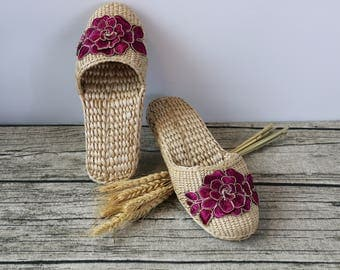 Exquisite Women's slippers with red silk roses lace/rustic handwoven shoes/Wholesales bulk/wedding gift/house shoes/GrasShanghai