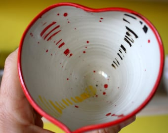 "Mug of the painterMug ""heart"" in stoneware, cut fruit, Cup of the artist 'Heart' in sandstone, unique piece, ceramic dishes"