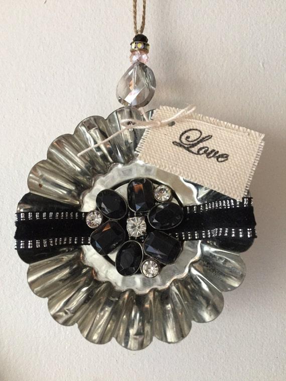 Tart tin ornaments christmas vintage