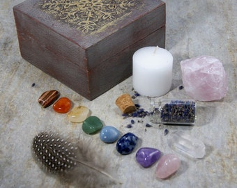 Chakra Crystals Set with Hand Carved Wooden Box. Special Edition. Chakra Crystals. Chakra Set. Chakra Stones. Gemstones. Reiki.
