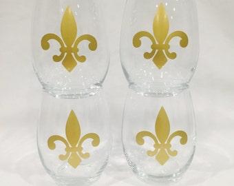 Fleur de Lis Wine Glasses