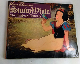 Disney's Snow White And The Seven Dwarfs Story Book With Origanl Pictures From The Movie/Some Pages Creased But No Tears (L)