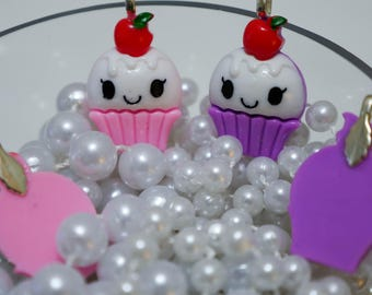 Super Cute Cupcake Pendent in Pink or Purple - So Kawaii !! J-fashion Decora Lolita Fairy Kei