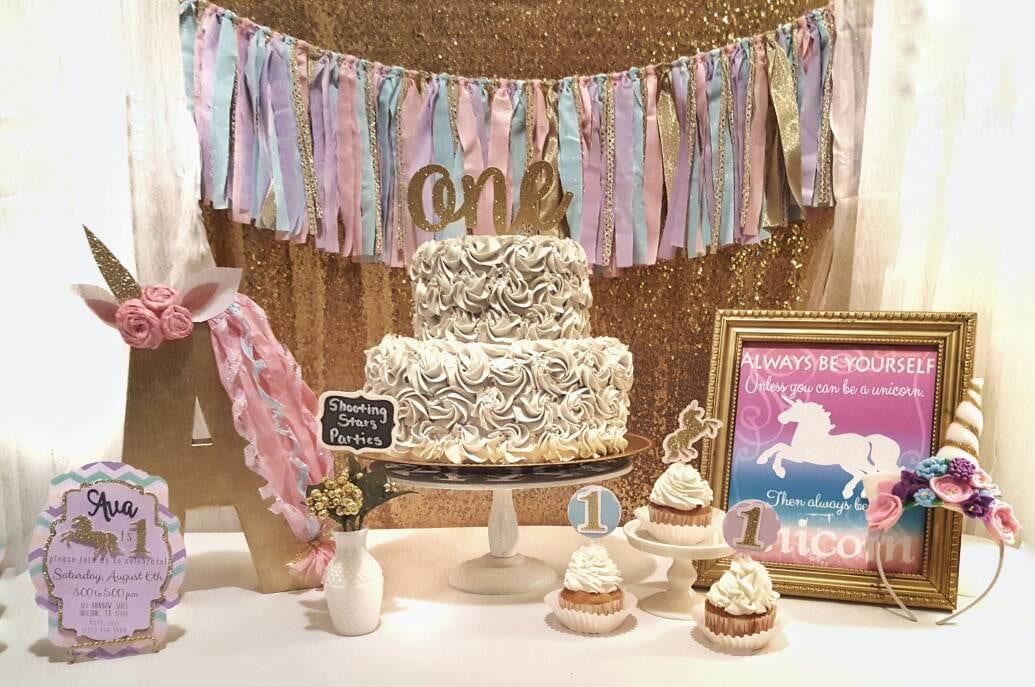 Unicorn birthday decorations unicorn first birthday unicorn for Decoracion para pared de unicornio