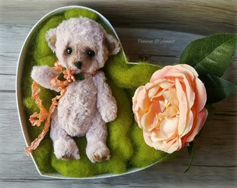 SOLD OUT Ninie rose. Pooh from artist to the former. The adorable Ninie mohair pink.  Pooh artist. Blythe doll friend. mohair