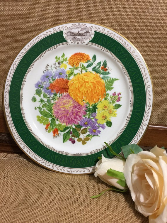 "RHS 1989 Chelsea Flower Show Fine Bone China Plate by ROYAL GRAFTON - ""Chelsea Autumn Glory"" 9"" Decorative Plate - Vintage Collectable Plate"
