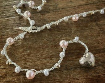 N61 Pink and White Beaded Lariat Necklace