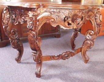 Fantasticly carved Oriental Buffet