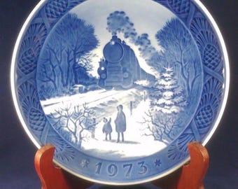 """Vintage 1973 Royal Copenhagen 7"""" Porcelain Plate Going Home For Christmas"""