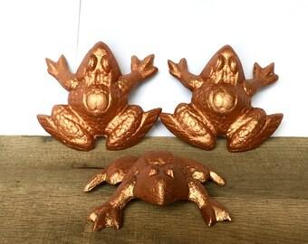 set of 3 copper garden frogs yard art garden decor cast iron frog - Orange Garden Decor