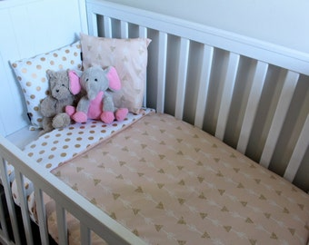 Girls Gold arrows reversed with Gold Dot Cot Set