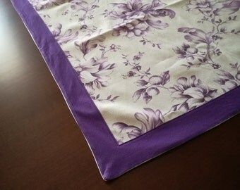 Tablecloth with purple border