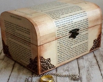 Lord of The Rings Gift Set, Gift for LOTR fan, LOTR Wooden Box and Jewelry, Handmade Wooden Gift, Decoupage Wooden Box,