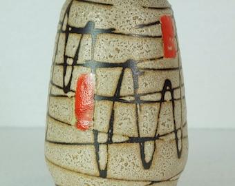 small scheurich mid century VASE with zigzag pattern