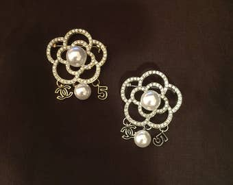Flower Design Brooch with Charms