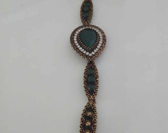Vintage green rhinestone bracelet and Center stone
