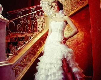 Wedding dress. Tightening corset. Ruffle Wedding dress. Slit Wedding Dress with a train. Free shipping
