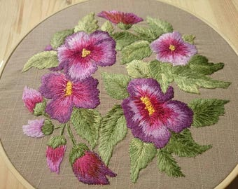 Home Decor Purple Violet / Wall Art Violas / Hand Embroidered Floral Decor / Country Chic Hoop Art / Gift for Flower Lovers /