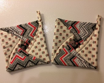 Quilted potholder or trivet