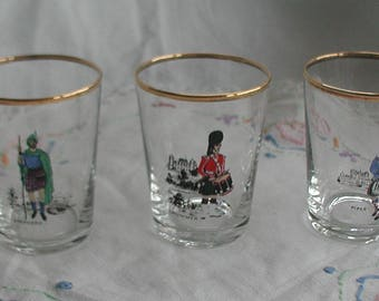 Set of 3 Scottish Design Shot Glasses Gold Rim Drummer Piper Shepherd
