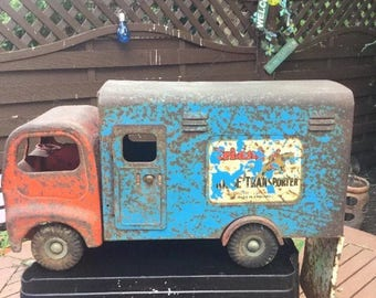 Vintage Triang Horse transporter lorry