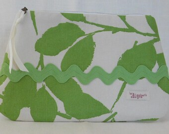Green cotton canvas print with large rickrack trim and zippered closure