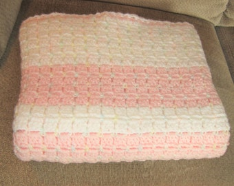 SHIPS FREE* Pink and White Chunky Baby Blanket, Pin and White Crochet Baby Afghan, Baby Shower Gift, Gift for Baby Girl, Crochet Baby Afghan