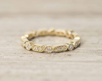 Eternity Classic Vintage style Wedding Band/Round Brilliant cut Diamond Band ring in 14K solid gold.