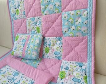Set: Patchwork baby blanket + flat pillow + diaper bag