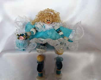 Blonde Turquoise with basket