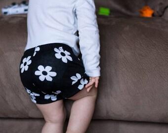 Daisy Baby Shorts, Flower Baby Shorts, Spring Baby Shorts, Summer Baby Shorts, Black Baby Shorts, Baby Girl Shorts, Easter Baby Shorts